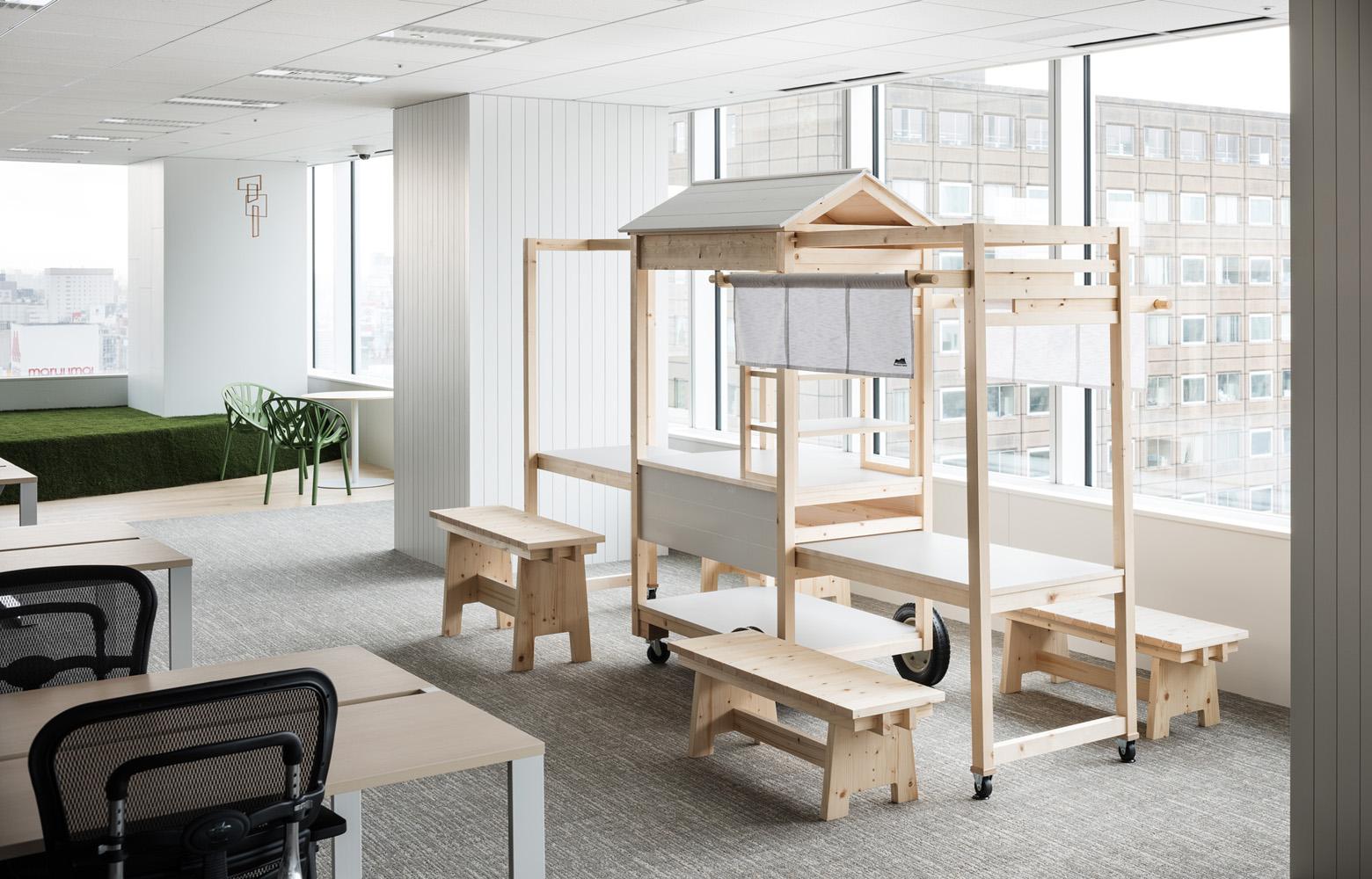 ダイアモンドヘッド株式会社  Sapporo Office Original Furniture デザイン・レイアウト事例