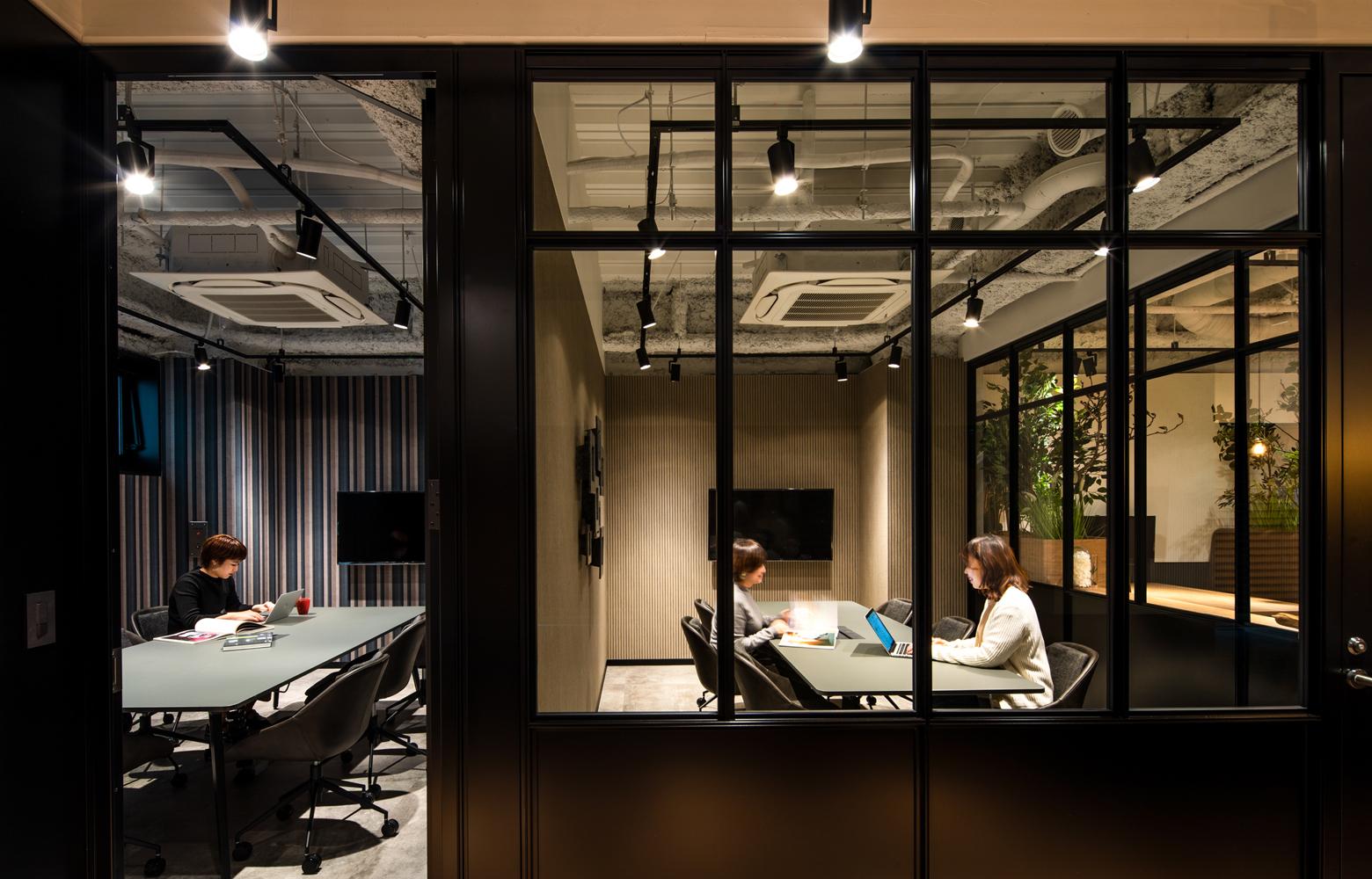 株式会社エグゼクション Meeting Room_5 デザイン・レイアウト事例