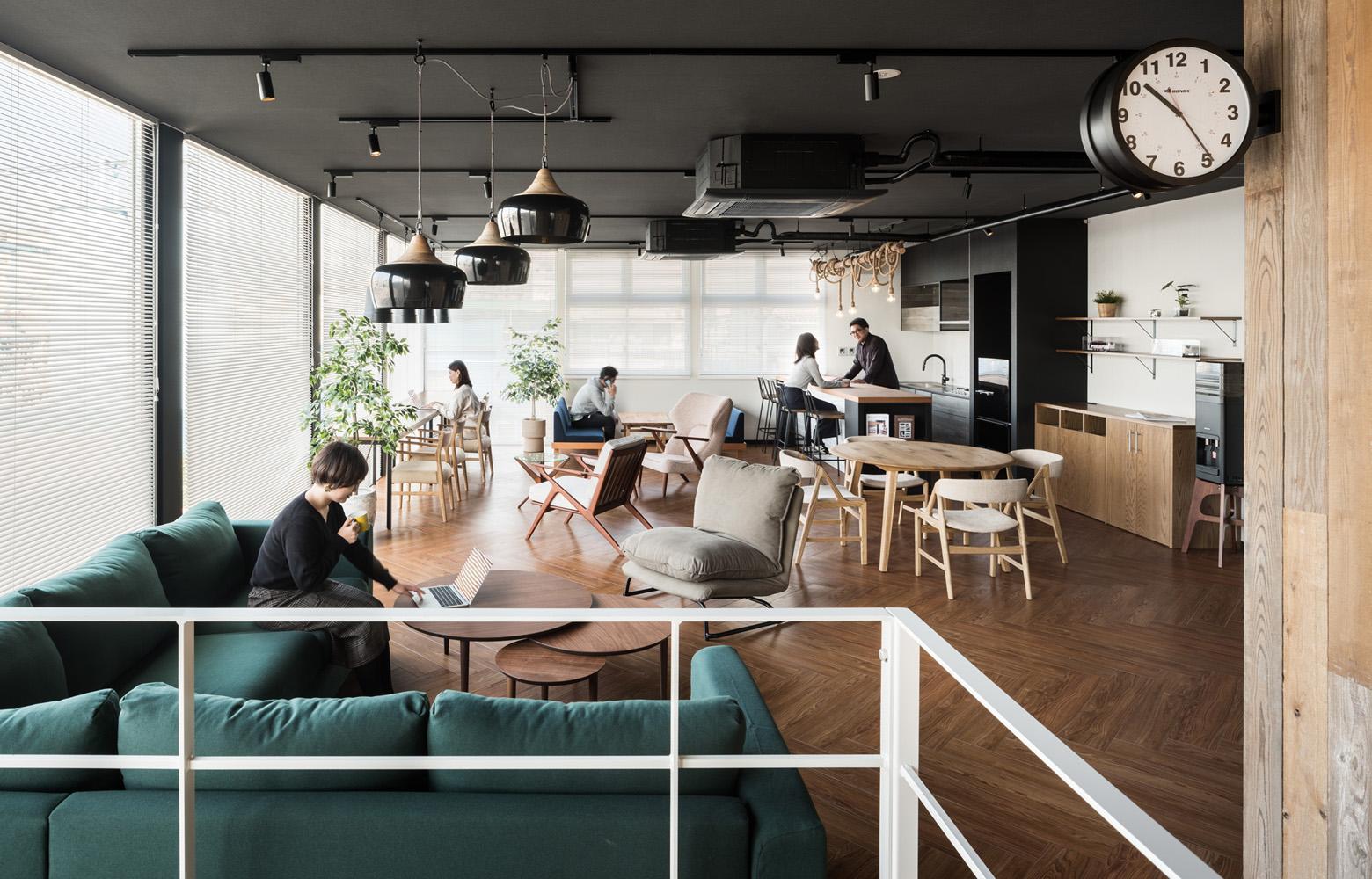 ベイラインエクスプレス株式会社 Lounge デザイン・レイアウト事例