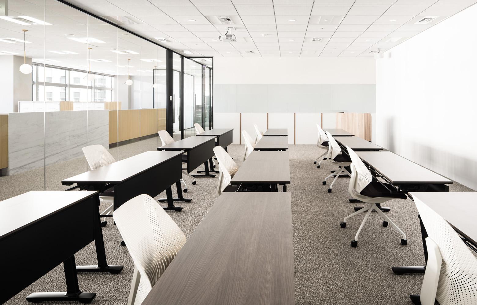 株式会社BlueMeme Seminar Room_2 デザイン・レイアウト事例