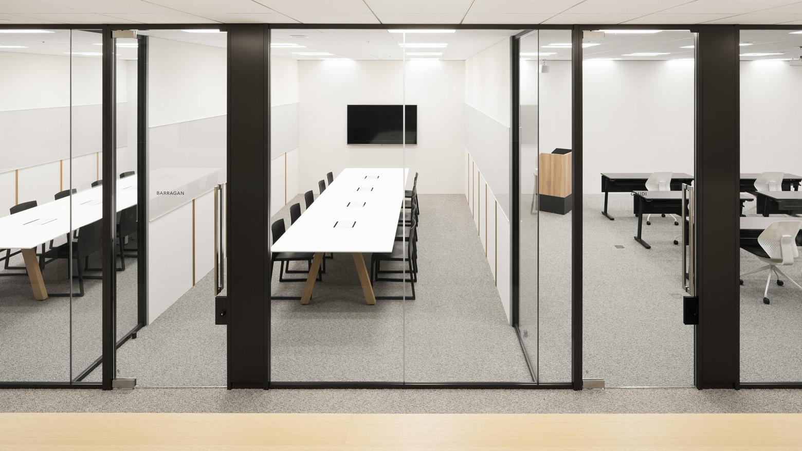株式会社BlueMeme Meeting Room デザイン・レイアウト事例