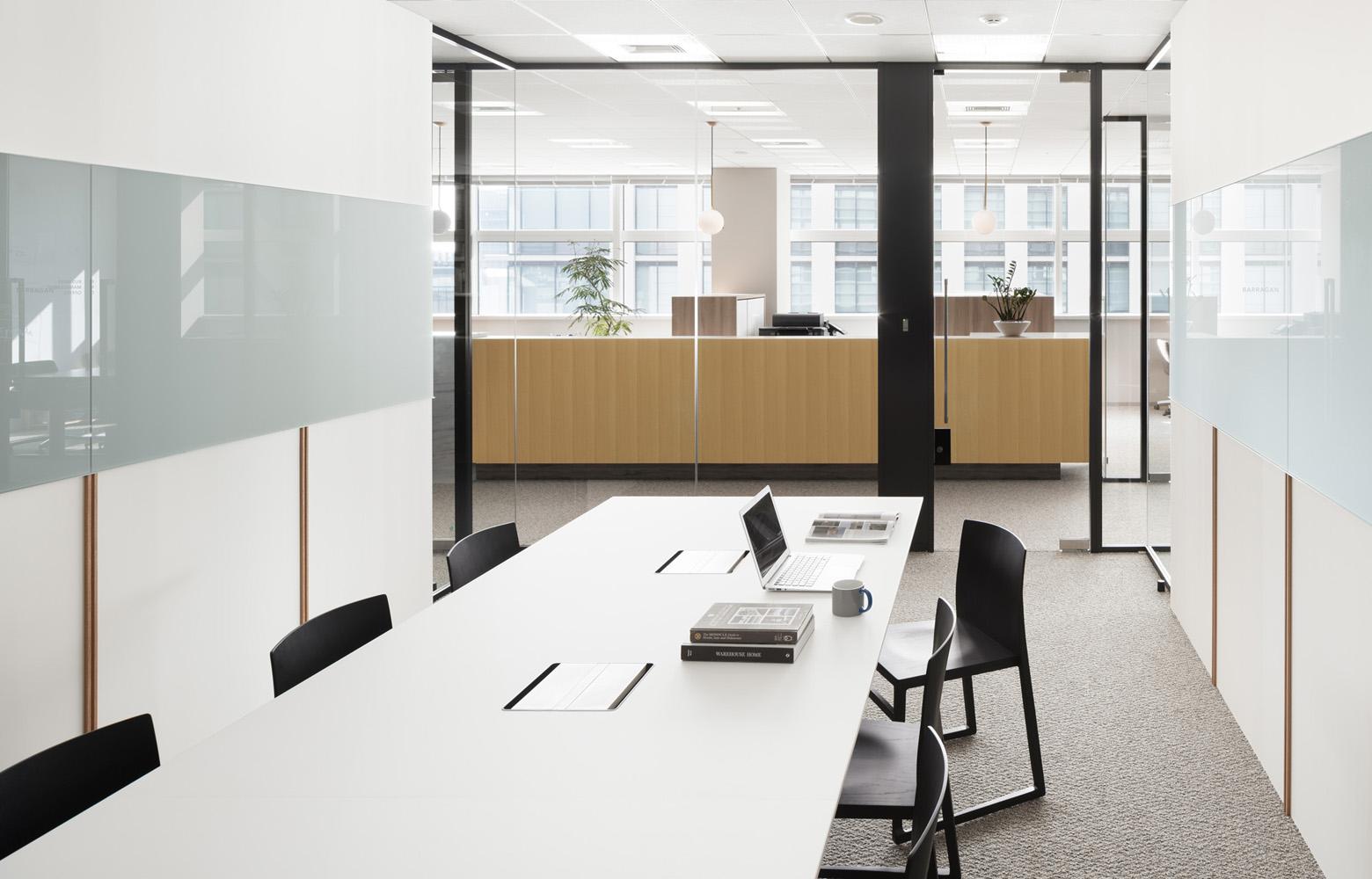 株式会社BlueMeme Meeting Room_2 デザイン・レイアウト事例