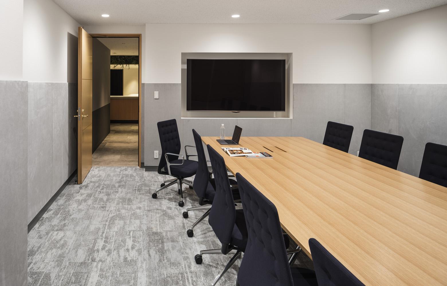 株式会社バンダイナムコセブンズ Meeting Room_2 デザイン・レイアウト事例