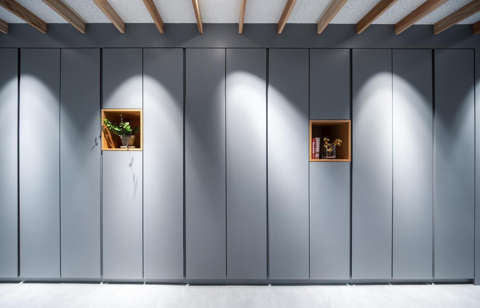 日昭電気株式会社 Storage_Close デザイン・レイアウト事例