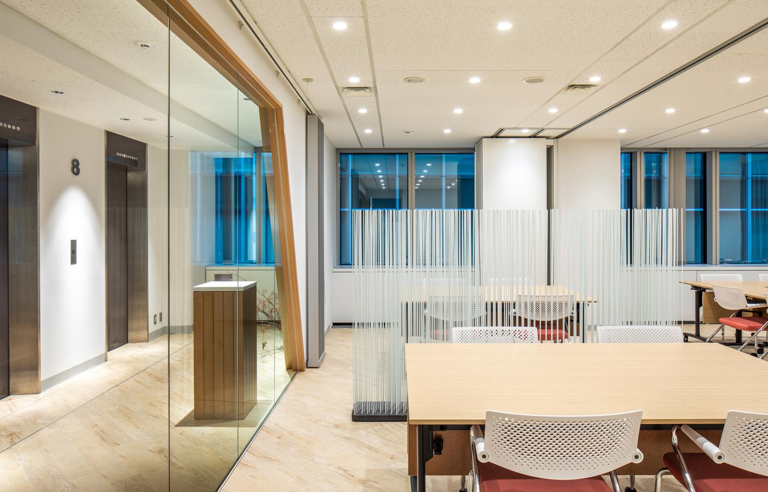 日昭電気株式会社 Meeting Room デザイン・レイアウト事例