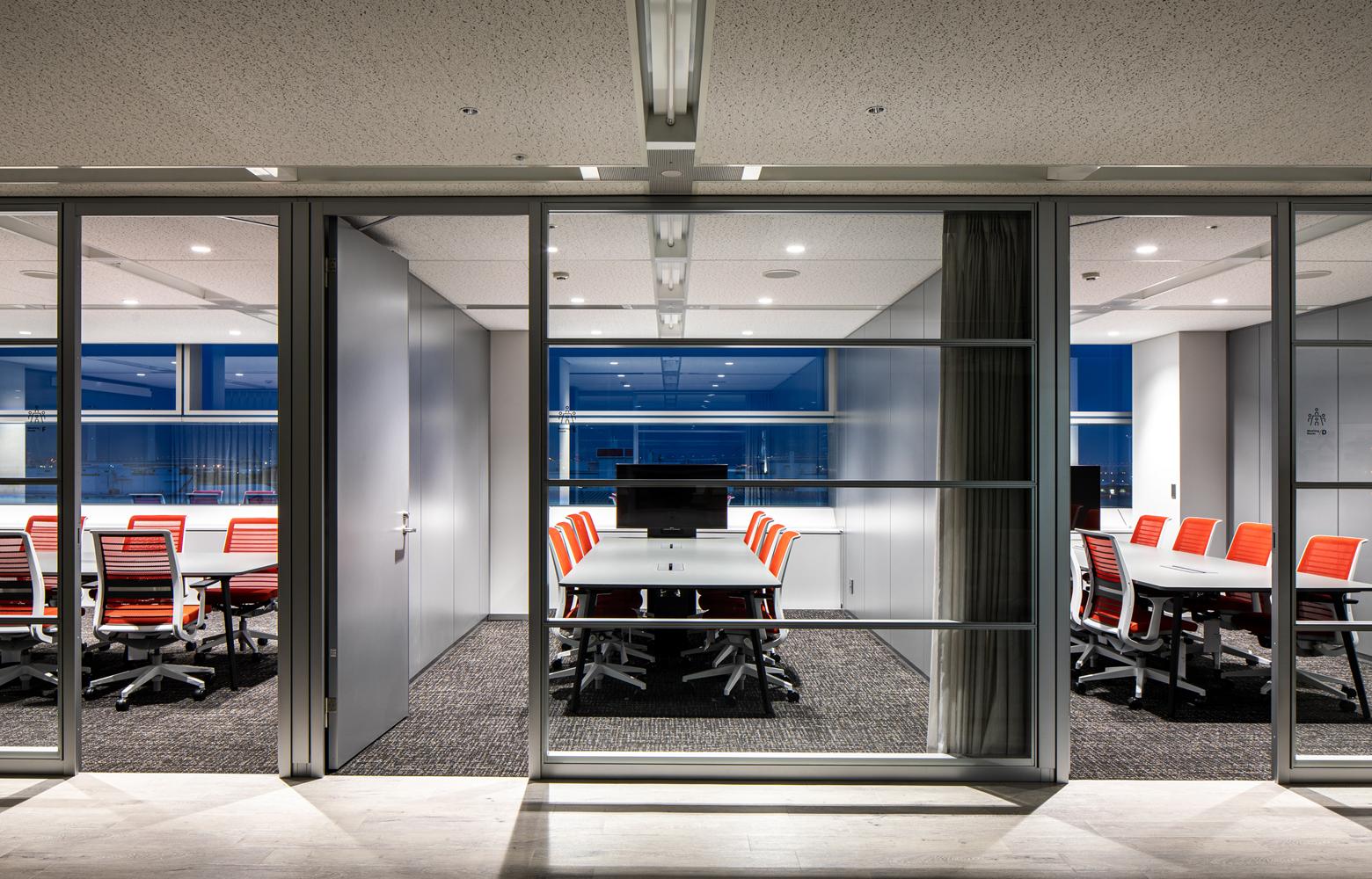 キリンエンジニアリング株式会社 Meeting Room デザイン・レイアウト事例