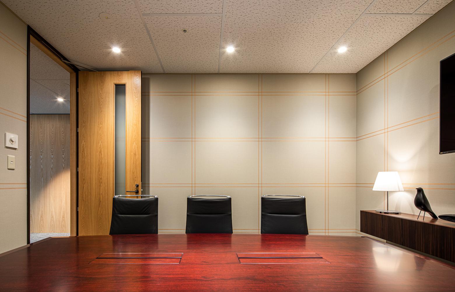 株式会社NTTぷらら Meeting Room デザイン・レイアウト事例