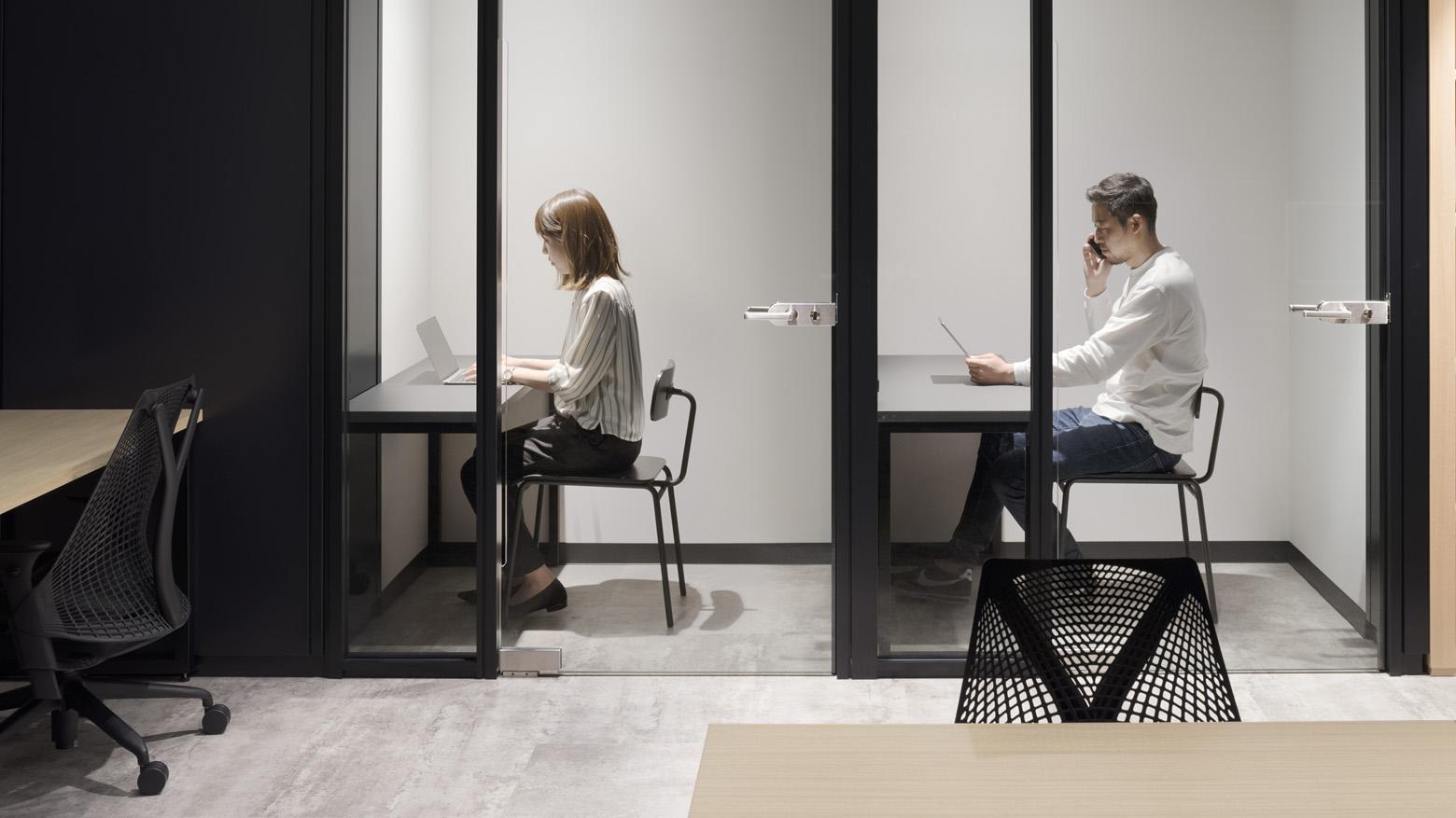 リンクタイズ株式会社 Tel Booth デザイン・レイアウト事例