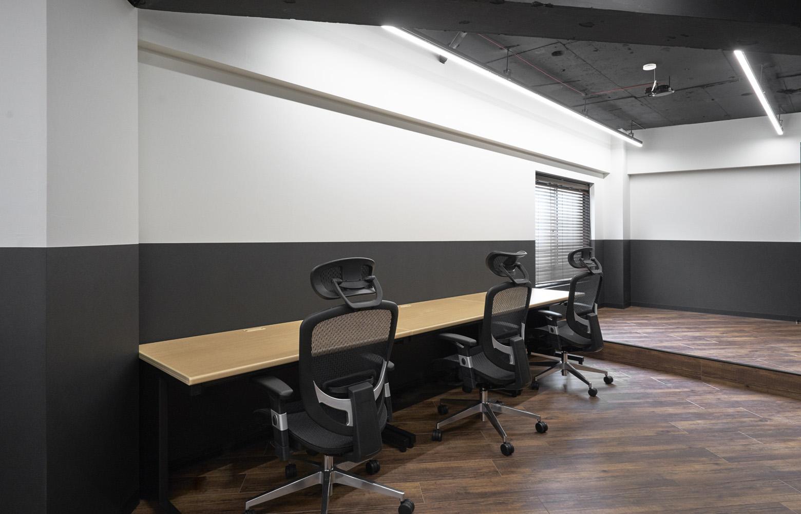 株式会社TEN&Co. Work Space_2 デザイン・レイアウト事例