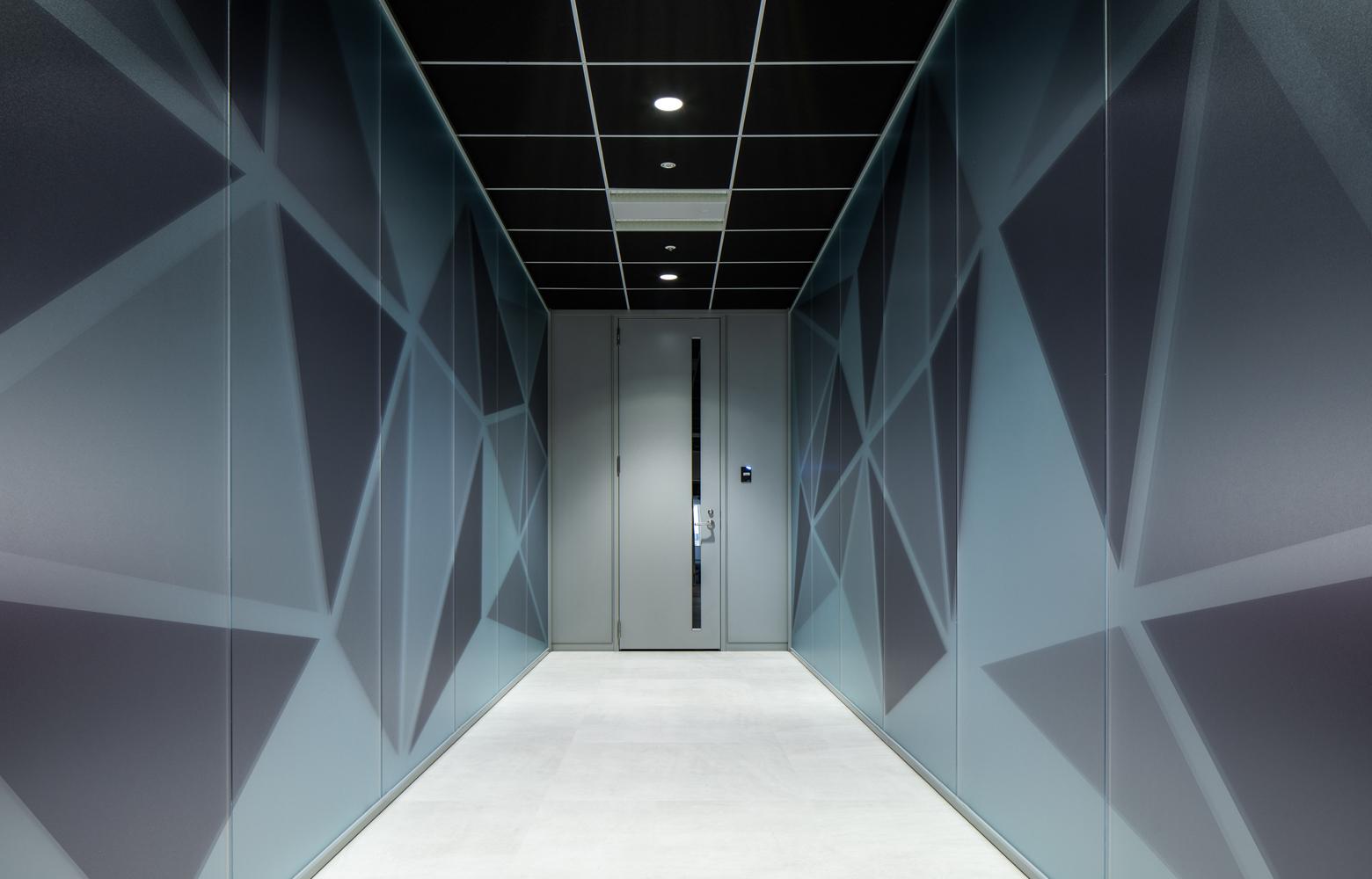 株式会社ビーネックスグループ Corridor デザイン・レイアウト事例