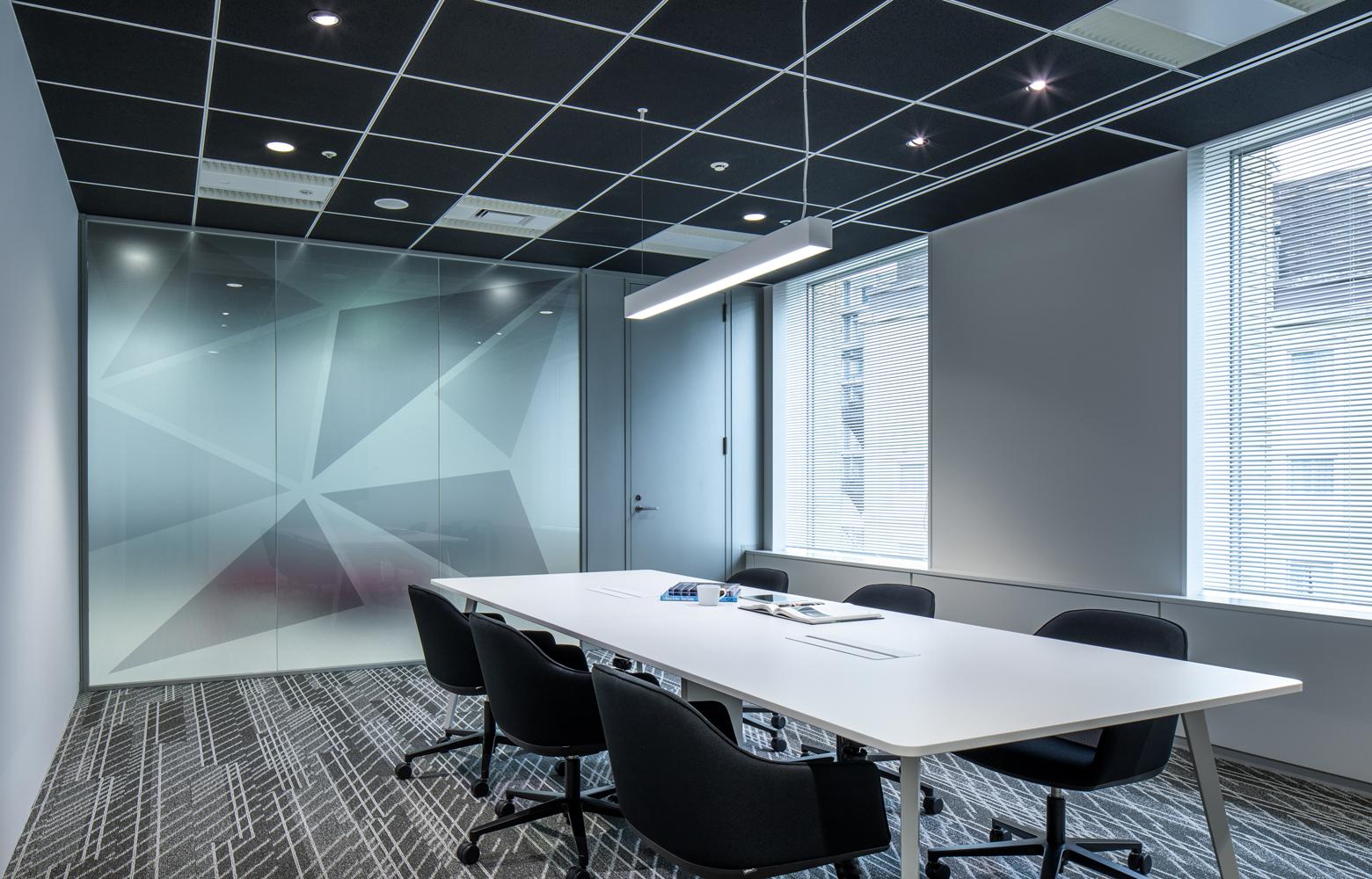 株式会社ビーネックスグループ Meeting Room_3 デザイン・レイアウト事例