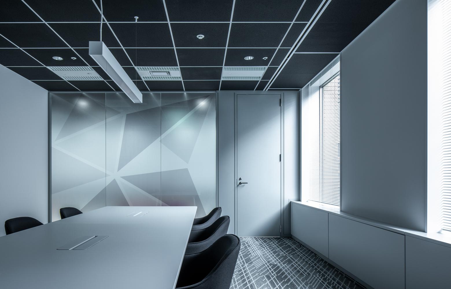 株式会社ビーネックスグループ Meeting Room_4 デザイン・レイアウト事例