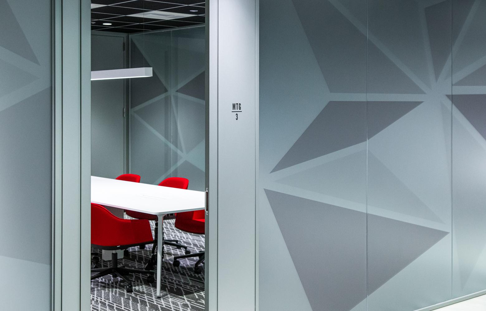 株式会社ビーネックスグループ Meeting Room_2 デザイン・レイアウト事例