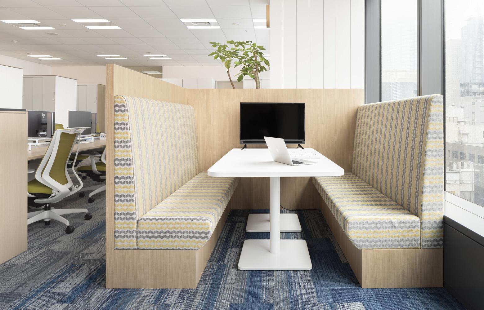 東洋アルミニウム株式会社 Original Box Sofa デザイン・レイアウト事例