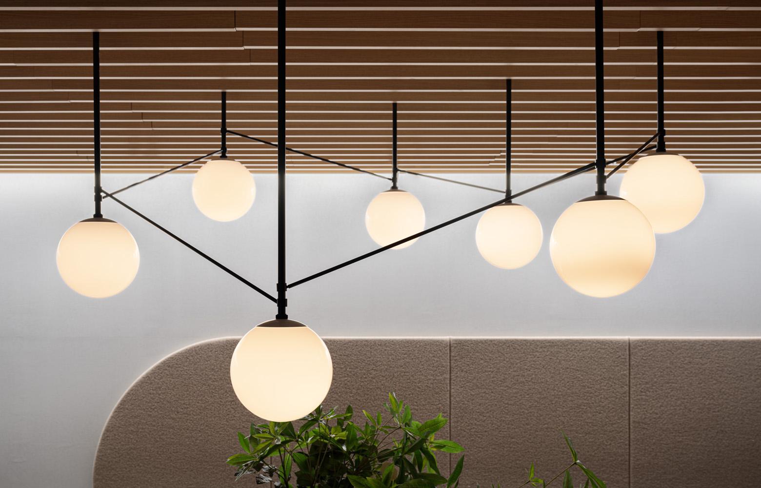 株式会社セブン&アイ・ネットメディア Entrance_Lighting デザイン・レイアウト事例