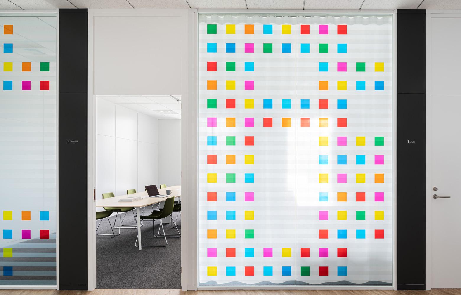 株式会社セブン&アイ・ネットメディア Meeting Room デザイン・レイアウト事例