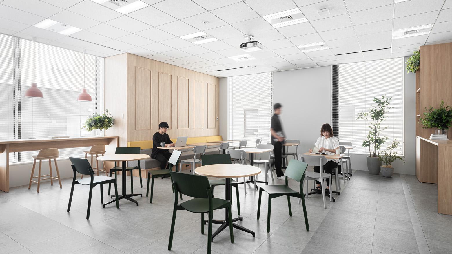 株式会社セブン&アイ・ネットメディア Refresh Space デザイン・レイアウト事例