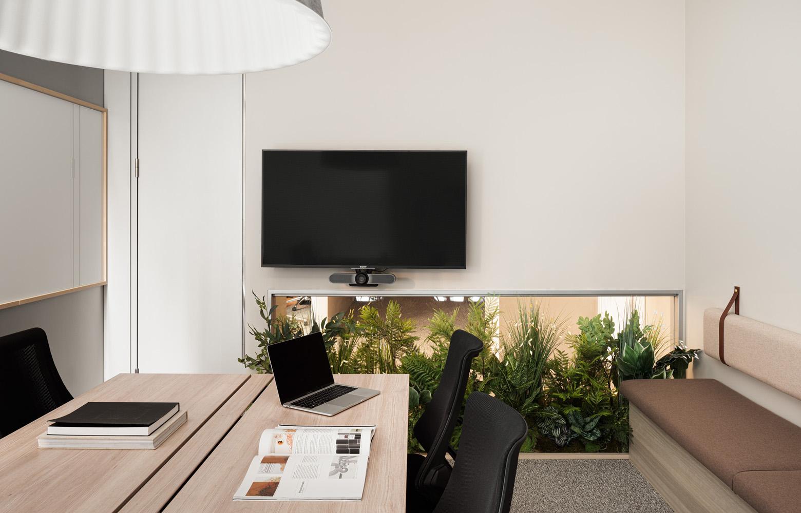 日本成長投資アライアンス株式会社 Meeting Room デザイン・レイアウト事例