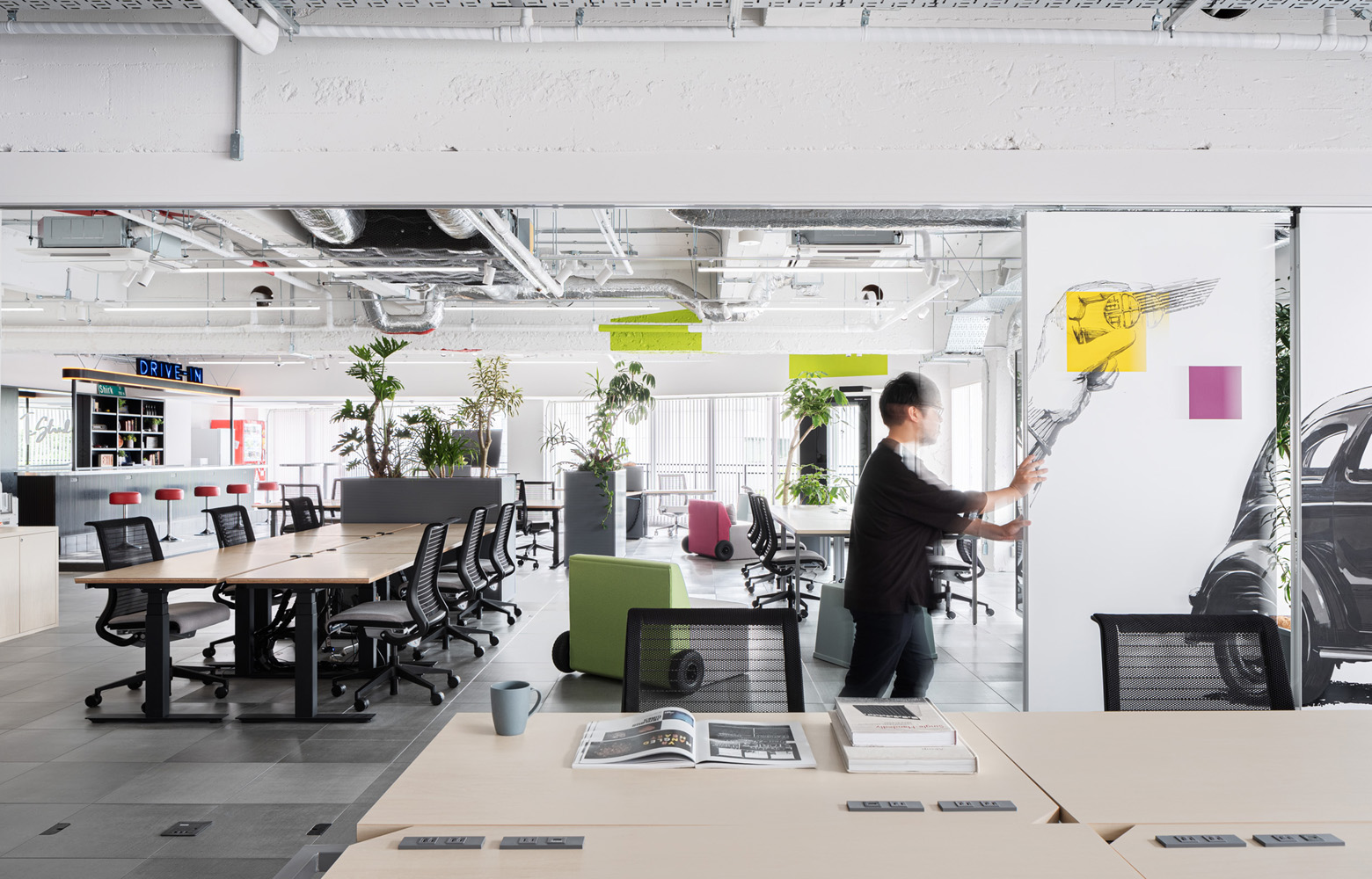 トヨタコネクティッド株式会社 Work Space_3 デザイン・レイアウト事例
