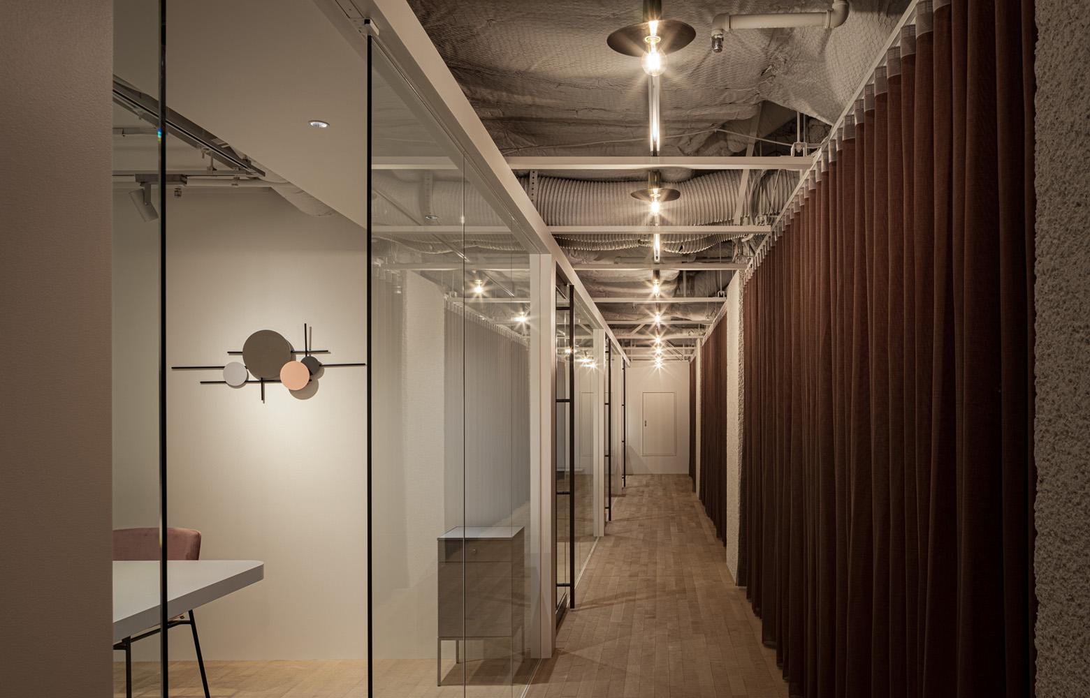株式会社アトラエ vol.3 Meeting Room デザイン・レイアウト事例