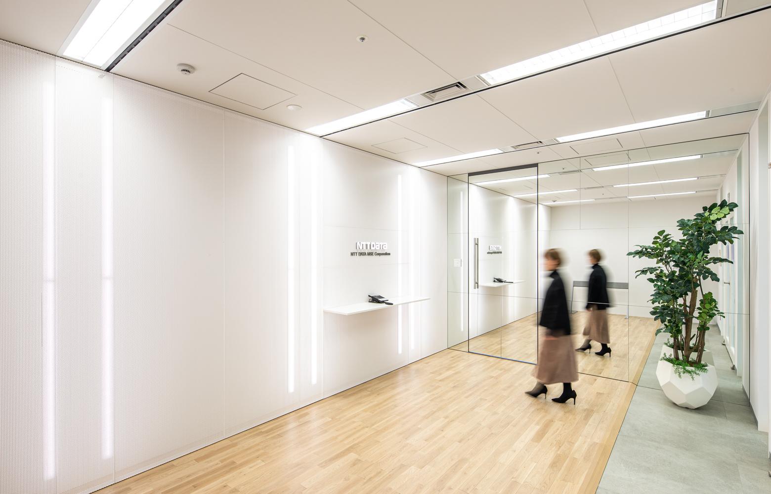 株式会社NTTデータMSE Shinyokohama Office Entrance_2 デザイン・レイアウト事例